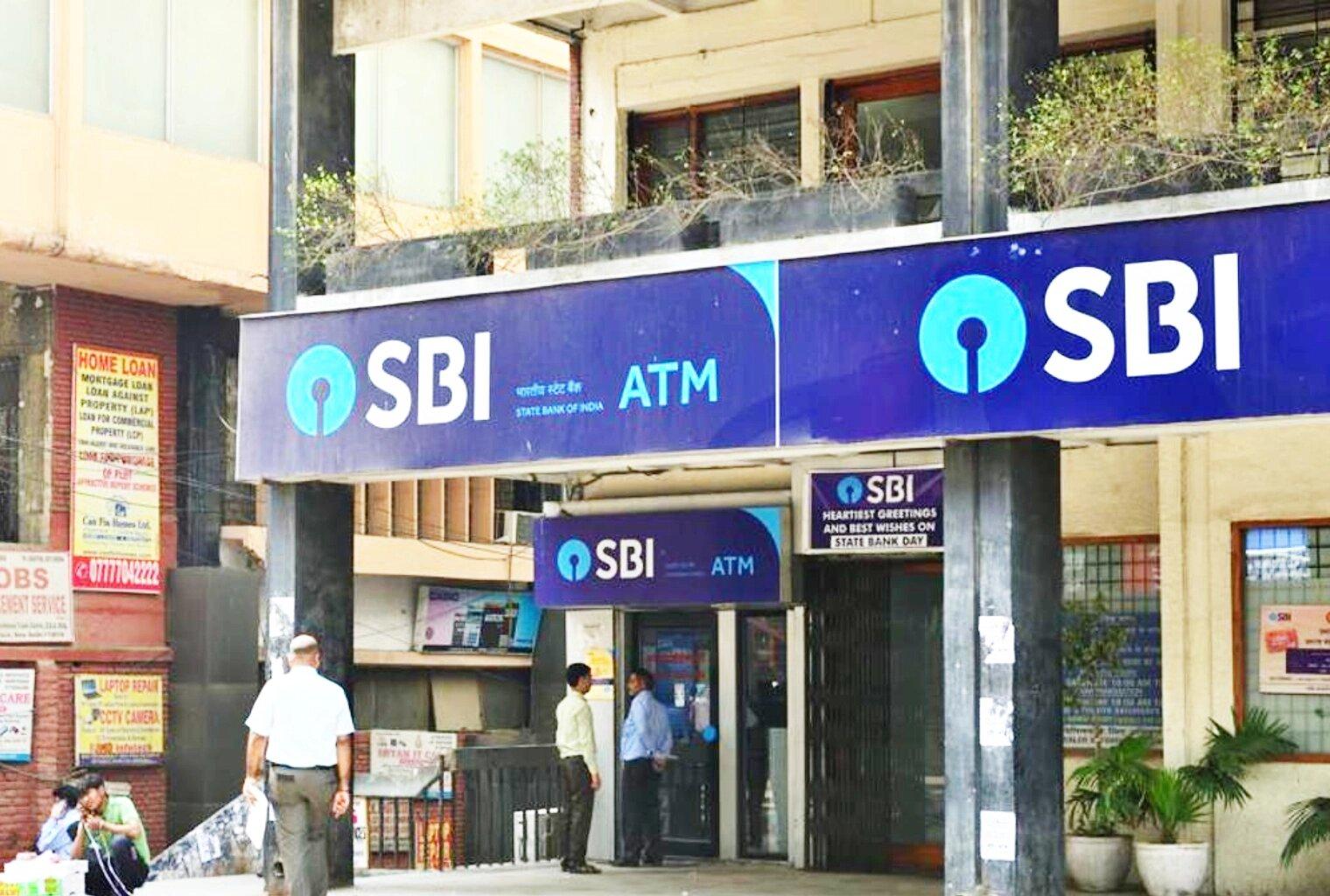 સૌથી મોટી સરકારી બેંક SBIએ બદલી નાંખ્યા ATMથી પૈસા ઉપાડવાનો નિયમ, જાણો આ તારીખ થી થશે લાગુ... 3